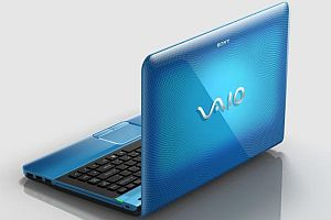 Sony Vaio E Series laptop VPCEA1Z1E - blue